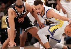 Stephen Curry rekor kırdı
