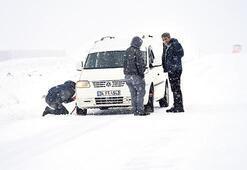 Doğuda kar bastırdı yollar kapandı