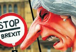 Brexit, May'i sallıyor