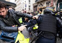 Pariste eylemler devam ediyor Macronun evinin önüne gidip...