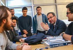 Bakan Kasapoğlundan öğrencilere sürpriz ziyaret