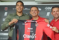 Trabzonsporlu Esteban'dan iki yıllık imza