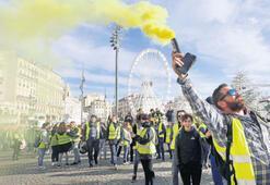Fransa 'sarı yelekleri' çıkarttırmanın yolunu arıyor