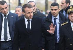 Macron, Sırbistan ziyaretini erteledi