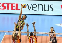 File derbisinin galibi Fenerbahçe Opet