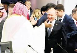 Çok konuşulan selamlaşma için Kremlinden açıklama