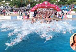 Dolunayda yüzme yarışı