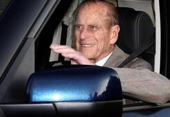 Prens Philip emniyet kemersiz araba kullanırken yakalandı