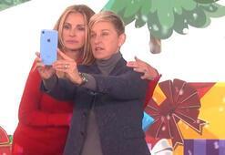 Ellen Degeneres kendi programında katılımcılara iPhone XR hediye etti