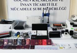 3 ay önce cezaevinden çıkan Pasaport Profesörü, lüks sitede pasaport basarken basıldı