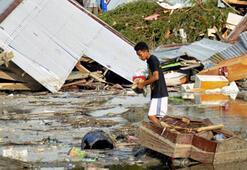 Endonezyada 7.7 büyüklüğündeki depremin ardından tsunami: En az 30 ölü