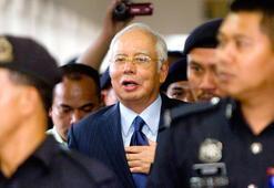 Eski Malezya Başbakanı Necip Rezak yeniden yargılandı