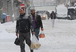 Hakkaride okullara kar tatili