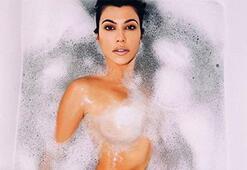Kourtney Kardashiandan küvet pozu