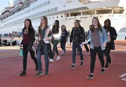 Gemi ile geldiler 425 kişi...
