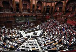 İtalyanın tartışmalı bütçesi mecliste kabul edildi