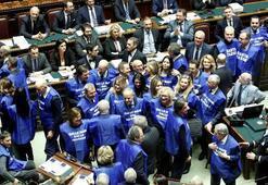 İtalyanın tartışmalı kanunu kabul edildi