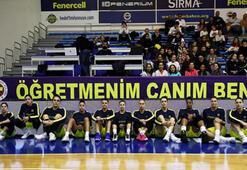 Fenerbahçeden Ceren Damar Şenel pankartı