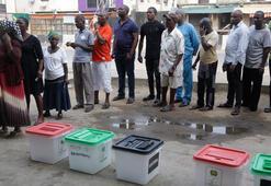 Nijeryalılar yine sandık başında
