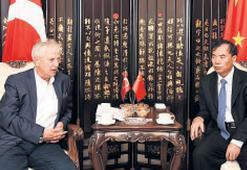 İzmir'in artılarını Çinlilere anlattı
