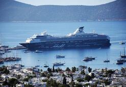 Bodruma dev gemiyle 2 bin turist geldi