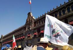 Meksikanın yeni Devlet Başkanı Obrador yemin etti