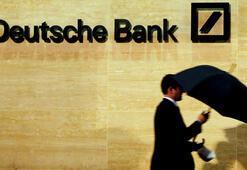 Almanyanın en büyük bankası borsada eriyor