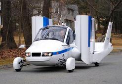Dünyanın ilk uçan arabası önümüzdeki ay satışa çıkıyor