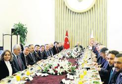 Yıldırım parti temsilcileriyle kahvaltıda buluştu Adaylık için renk vermedi