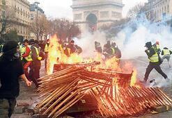 Sarı yelekliler Paris'i yaktı