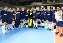 Fenerbahçe Opete sürpriz ziyaret