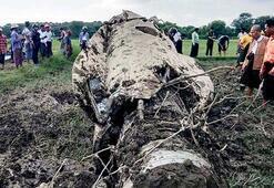 Myanmarda iki askeri uçak düştü: 3 ölü