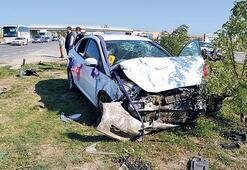 Otomobil gelin arabasına çarptı: 4 ölü 5 yaralı