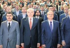 İBB Başkanı Mevlüt Uysal: İstanbul işgale boyun eğmeyecektir