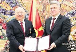 Şener'e Makedonya'dan devlet liyakat nişanı
