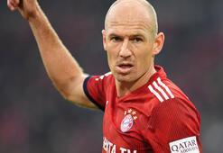Robben: İkna edici transfer teklifine açığım...