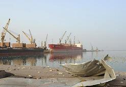 Husiler Hudeyde Limanından çekilmeye başladı