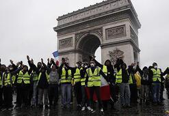 Fransada sokaklar karıştı
