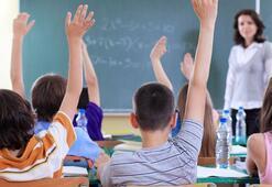 Eğitime şiddetli rüzgar engeli Okullar tatil edildi...
