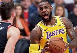 Lakers, Blazersı LeBron Jamesle devirdi