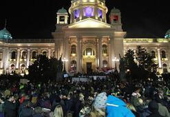 Karadağ ve Sırbistanda hükümet karşıtı protesto
