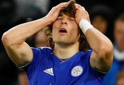 Milli futbolcu Çağlar Söyüncüye büyük şok