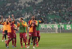 Galatasaray, geri dönüşlerle yarışın içinde