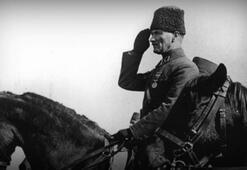 Çanakkale Savaşında Atatürkü şarapnel parçasından hangi eşyası kurtarmıştı Hadi sorusu 12:30