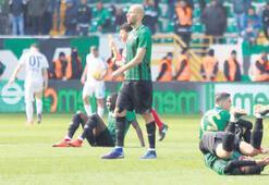 Akhisarspor yine fırsat tepti