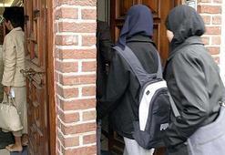 Avusturyada okullarda başörtüsü yasağı hazırlığı