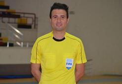 UEFAdan futsal hakemi Kamil Çetine görev