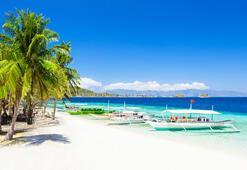 Dünyaca ünlü tatil adası Boracay turistlere açılıyor