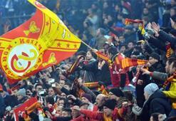 Galatasaray, taraftarıyla buluşuyor