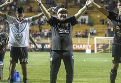 Maradonanın takımı farklı galibiyetle başladı